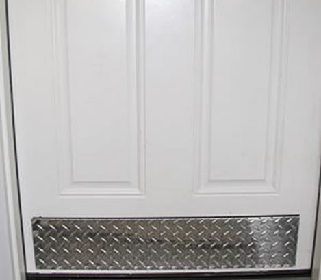 Checkered Aluminum Panels For Doors Protection