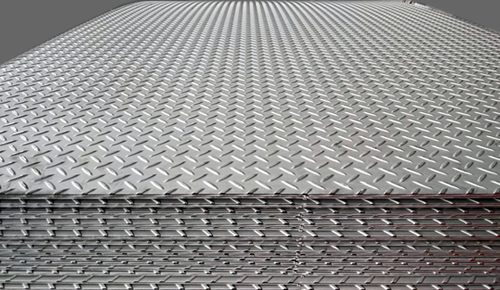 Chequered Plates In Aluminum Mild Steel Ss Manganese Steel
